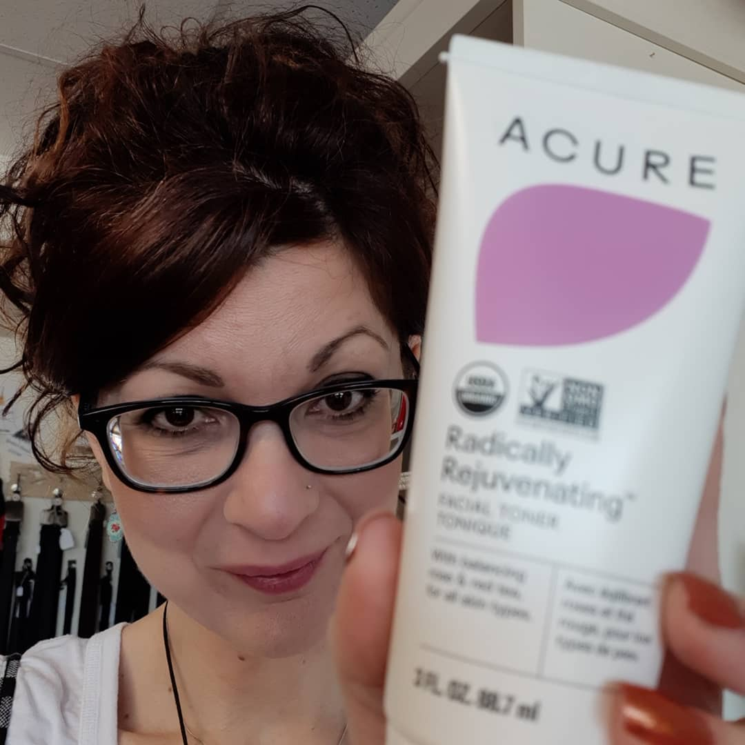 Lastnight I tried the Acure overnight cream Magical Wonderfluff! Awesome!