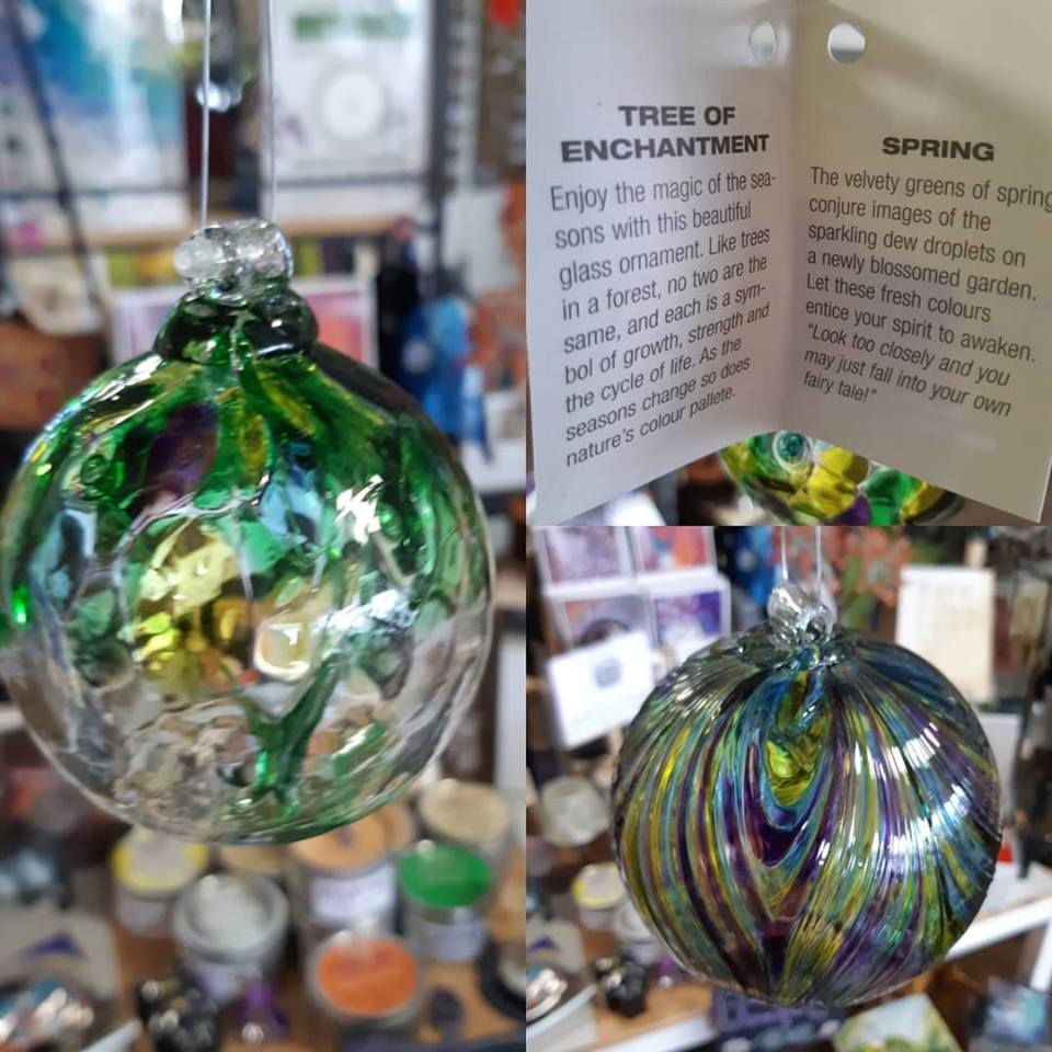 Enjoy the magic of Spring with these beautiful glass ornaments!
