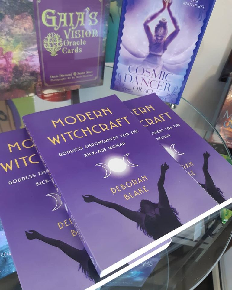 "Practical and inspiring, ""Modern Witchcraft"" enlightens, uplifts, and energizes!"